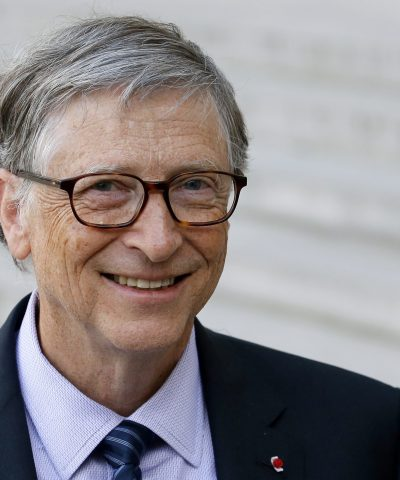 PARIS, FRANCE - APRIL 16:  Co-chairman and co-founder of the The Bill and Melinda Gates Foundation, Bill Gates  speaks to the media after his meeting with French president Emmanuel Macron at the Elysee Palace on April 16, 2018 in Paris, France.  (Photo by Chesnot/Getty Images)